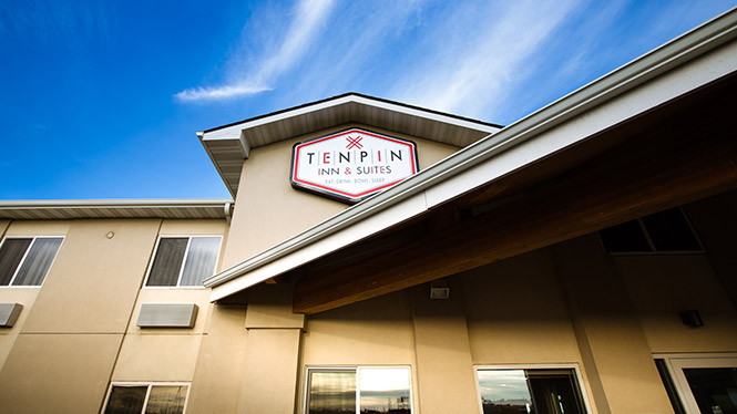 Ten Pin Inn & Suites Building Exterior